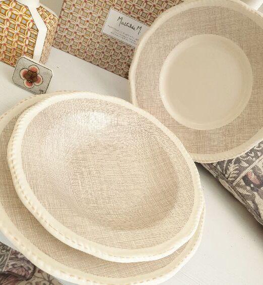 piatti in ceramica decoro sui bordi