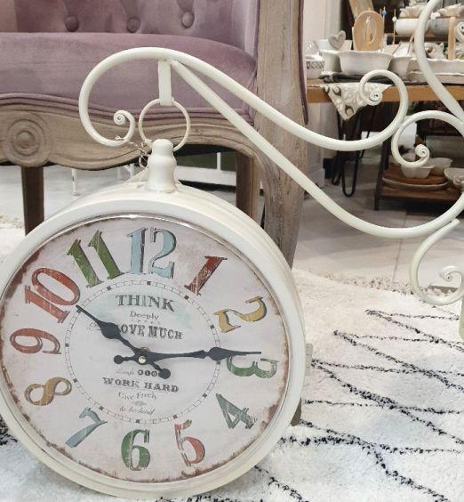 orologio pendente bianco vintage