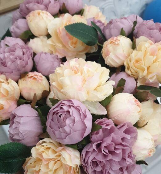 fiori finti colorati in tessuto