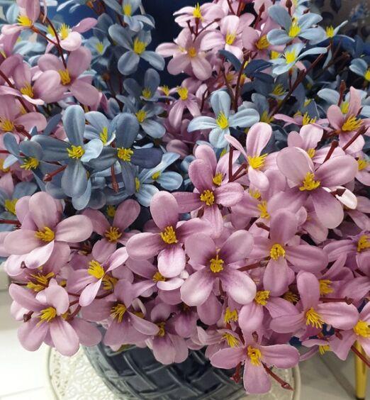 stelo di fiori finti decorativi