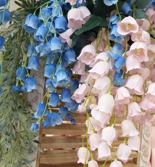Stelo di fiori finti pendenti