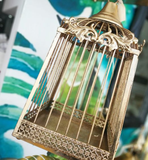 gabbia grande e piccola metallo oro