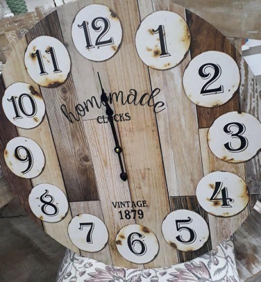 orologio vintage da muro assi di legno