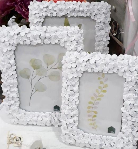 cornice per foto con cornice in resina bianca a fiori
