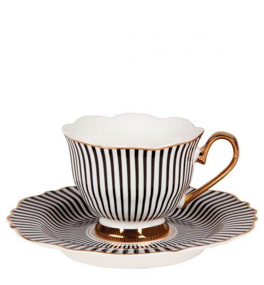 tazzina da caffè con piattino