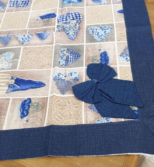 tovaglia per decoro tavolo blu