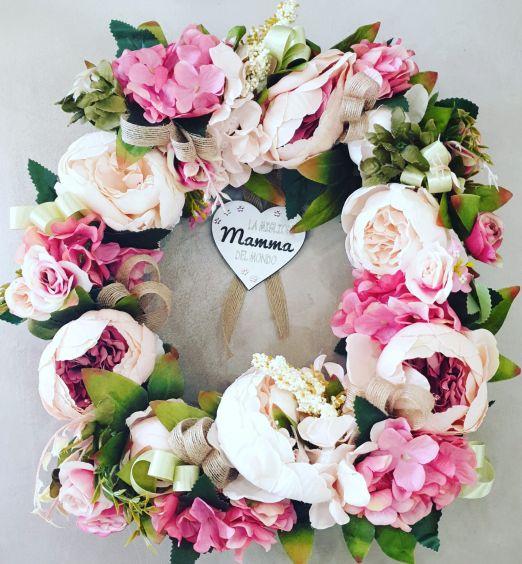 Ghirlanda decorativa con fiori e cuore La migliore Mamma del Mondo