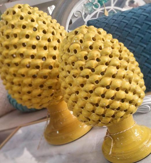 Lampada Pumo Pugliese Pigna Ceramica Traforata Giallo Ocra